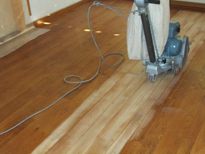 Pon age parquet sans poussi res avec finition huil r novation de sol for Poncage parquet chene